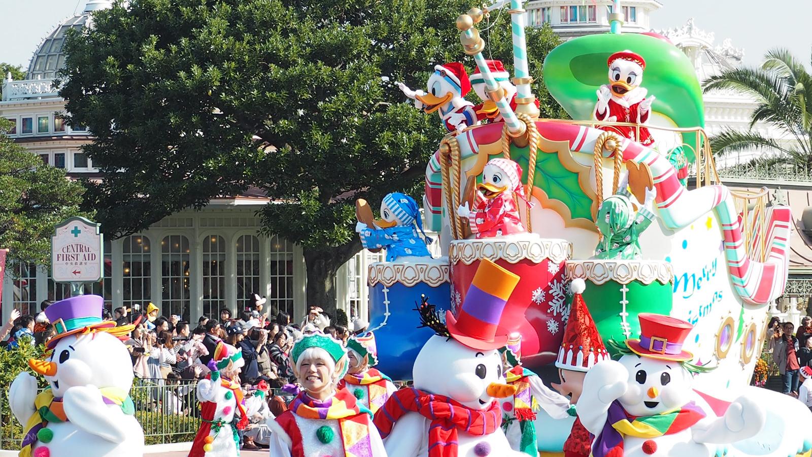 東京ディズニーランドでクリスマス・ファンタジーを楽しむならこの