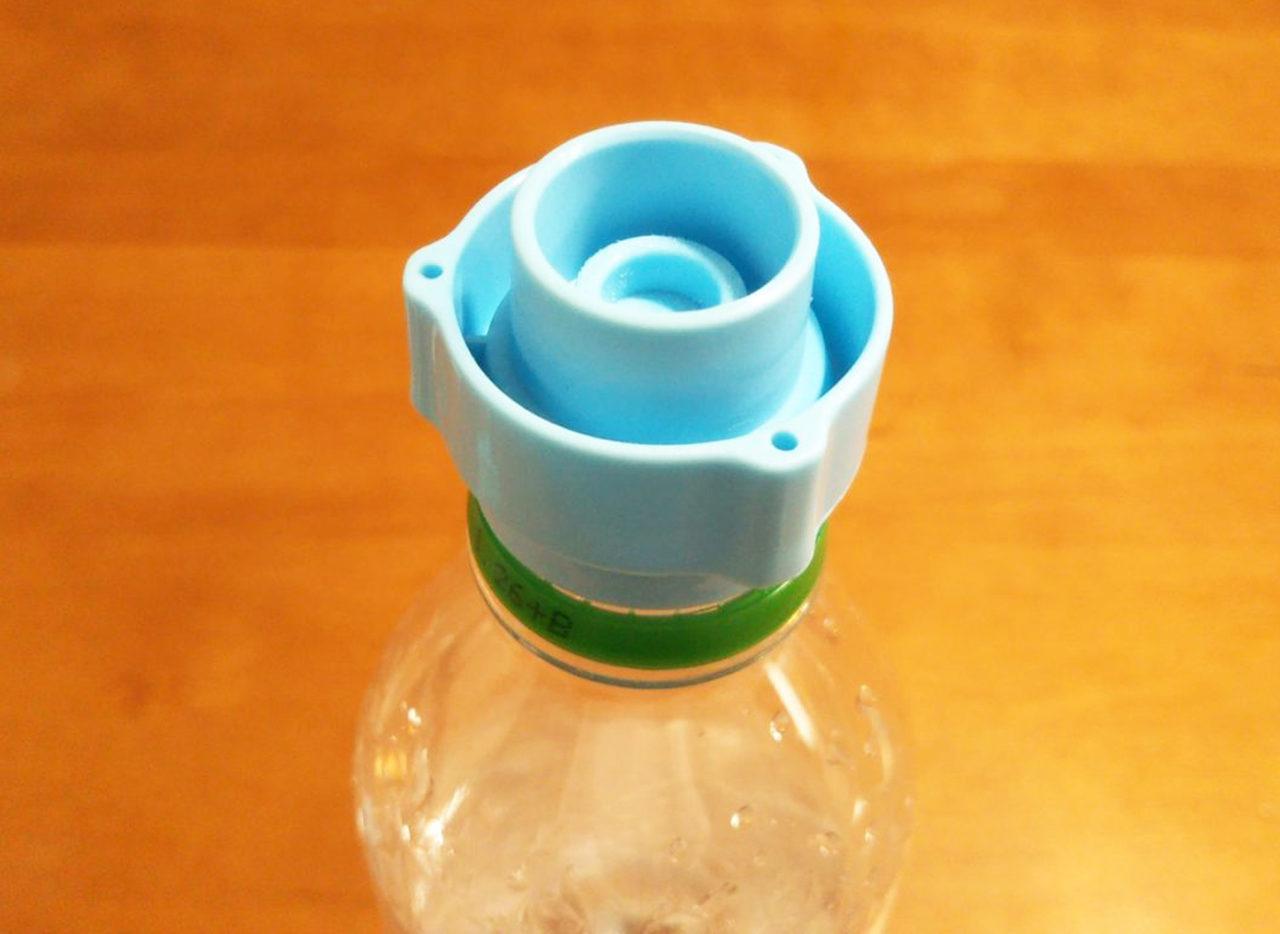 ペットボトルをコンパクトに潰す方法!女性でも簡 …