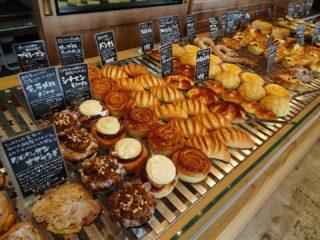 山梨で話題おしゃれパン屋「ベーカリーポノ」種類豊富な焼き立てパン!