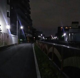 恐怖のランニングマン!暗い帰り道にて、どこまでもついてくる~