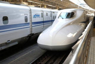 大人1人で子ども3人連れ新幹線!恐怖の1時間40分乗り切り方法!