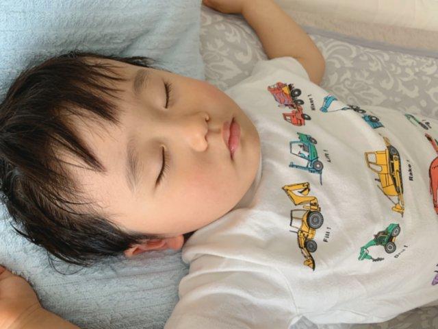 赤ちゃん 寝る前 泣き叫ぶ