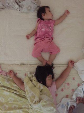 ママ残業 パパの寝かしつけをこっそりモニターしてみた話