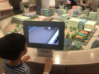 京橋「ポリスミュージアム」はたくさん遊べて無料!雨の日のお出かけにもピッタリ