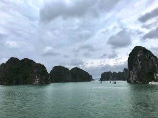 ベトナムが誇る世界遺産、ハロン湾一泊クルーズの旅