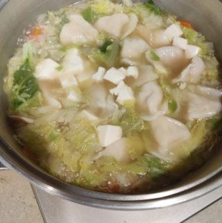 いつもの鍋に飽きたら、中華だしを使った簡単「中華スープ鍋」はいかが?