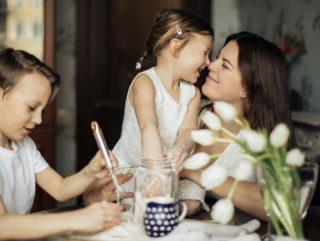 ママ友は悩みを共有できる同士。ママだからこそ深まる関係