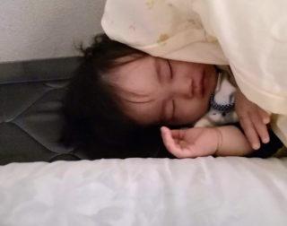 突然夜寝なくなった2歳の息子。試行錯誤したどり着いた寝かしつけ方法は?