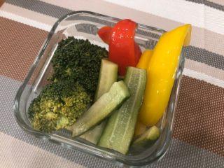 作り置きレシピ「生ブロッコリーのピクルス」野菜不足解消にも◎