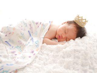 新生児期間はあっという間!自宅でニューボーンフォトを撮ってもらいました