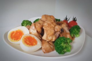 忙しい日にもぴったりなシリコンスチーマーで作る揚げない鶏の唐揚げ