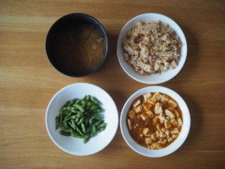 共働き家庭のリアル食卓を公開!平日5日分の夕飯献立はほぼ固定